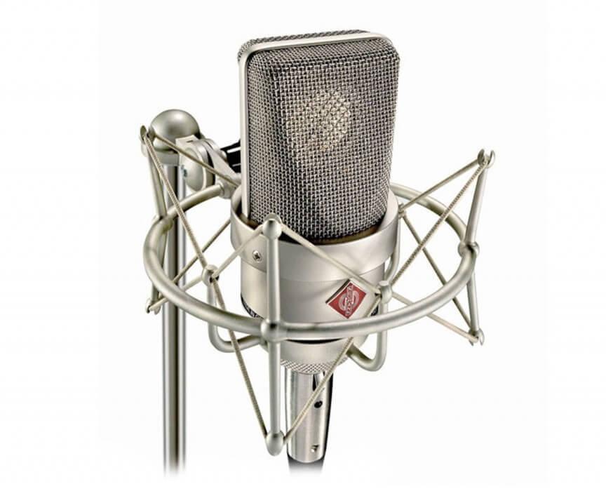Condensatormicrofoons zijn vaak duurder en gevoeliger.