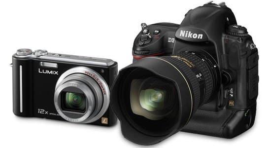 camera kopen - een Compactcamera naast een dSLR